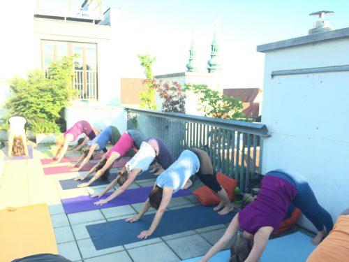KURS / Ganzheitliches Hatha Yoga  / Montag / 1010 Wien