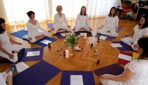 AUSBILDUNG ANANDA Yogalehrerausbildung 200h November 2018 / 1130 Wien @ Hietzinger Akademie | Wien | Wien | Österreich